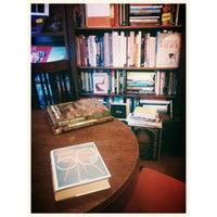 รูปภาพถ่ายที่ Jak wam się podoba / As You Like It Bookstore โดย Martyna T. เมื่อ 9/19/2013