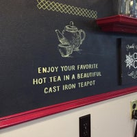 Foto diambil di Caroline's Coffee Roasters oleh Ryan B. pada 7/29/2015