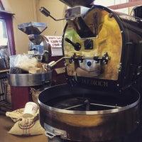 Foto diambil di Caroline's Coffee Roasters oleh Ryan B. pada 8/6/2015