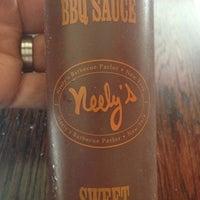 7/24/2013 tarihinde Jason J.ziyaretçi tarafından Neely's BBQ Parlor'de çekilen fotoğraf