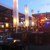 12/23/2012 tarihinde Nick R.ziyaretçi tarafından Waterside Resort Restaurant'de çekilen fotoğraf