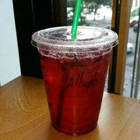 Снимок сделан в Starbucks пользователем Alfredo T. 1/8/2016