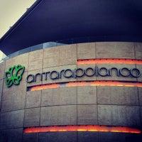 Photo prise au Antara Fashion Hall par Rodolfo Alberto C. le7/13/2013