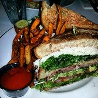 Foto diambil di Darling's Diner oleh Kia D. pada 12/30/2012
