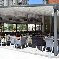 รูปภาพถ่ายที่ Marbella Restaurant & Bistro โดย Marbella Restaurant & Bistro เมื่อ 7/10/2013