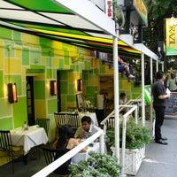 Foto tomada en Restaurant Row por Restaurant Row el 7/15/2013