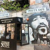 Foto scattata a Nuyorican Poets Cafe da Compass il 7/24/2013
