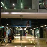 Foto tirada no(a) Mall Espacio M por Daniela E. em 7/27/2013