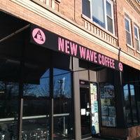 Foto tirada no(a) New Wave Coffee por Ryan S. em 8/8/2014