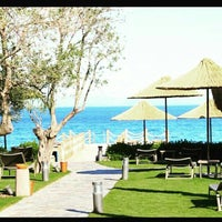 รูปภาพถ่ายที่ Assos Ida Costa Hotel โดย Gökhan A. เมื่อ 5/18/2015