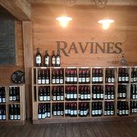 รูปภาพถ่ายที่ Ravines Wine Cellars โดย Kirill F. เมื่อ 10/21/2017