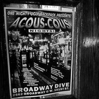 Foto tirada no(a) Broadway Dive por chris a. em 3/13/2014