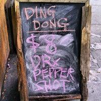 Foto tirada no(a) Ding Dong Lounge por chris a. em 2/11/2013