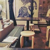 7/26/2013 tarihinde Jonni K.ziyaretçi tarafından SIS. Deli + Café'de çekilen fotoğraf