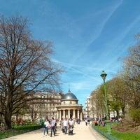 Photo prise au Parc Monceau par Parisian Geek le10/26/2013