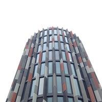 Foto scattata a Kooperativa pojišťovna HQ da Adley il 4/29/2014