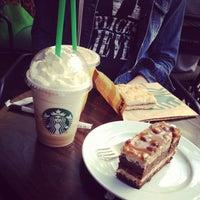 Снимок сделан в Starbucks пользователем Veraayeah 7/16/2013