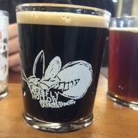 รูปภาพถ่ายที่ Firefly Hollow Brewing Co. โดย Liz S. เมื่อ 11/29/2014