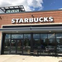 รูปภาพถ่ายที่ Starbucks โดย Neal E. เมื่อ 9/15/2017