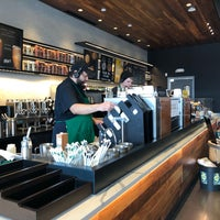 รูปภาพถ่ายที่ Starbucks โดย Neal E. เมื่อ 3/2/2018