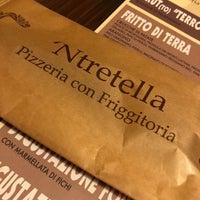 Photo prise au 'Ntretella - Pizzeria Friggitoria par Michael M. le10/13/2018