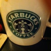 Foto scattata a Starbucks da Shalbe B. il 1/15/2013