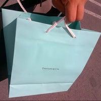 Foto tomada en Tiffany & Co. por Hortten M. el 7/17/2013