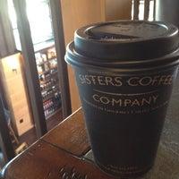 Снимок сделан в Sisters Coffee Company пользователем Thandi C. 4/22/2012
