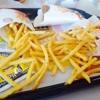 รูปภาพถ่ายที่ Burger King โดย Vanessa I. เมื่อ 2/12/2014