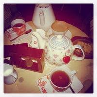 Снимок сделан в The Tea Room Tirana пользователем Elona Z. 1/19/2014