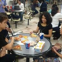 Foto tomada en Domino's Pizza Plaza Americas por Delia M. el 12/17/2015