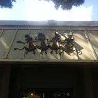 Das Foto wurde bei Drunken Monkey Coffee Bar von Michael H. am 5/2/2012 aufgenommen