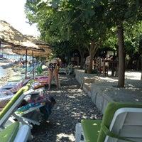 รูปภาพถ่ายที่ Mavi Deniz โดย Öykü S. เมื่อ 7/18/2013