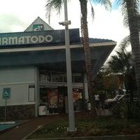 Das Foto wurde bei Farmatodo von Enrique S. am 1/29/2013 aufgenommen