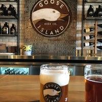 Das Foto wurde bei Goose Island Beer Co. von Isaac B. am 3/26/2016 aufgenommen
