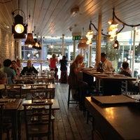 8/10/2013 tarihinde Deniz U.ziyaretçi tarafından La Farola Cafe & Bistro'de çekilen fotoğraf