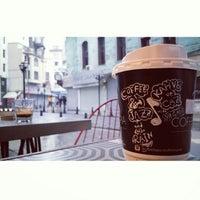 Photo prise au Coffeetopia par Mehmet M. le11/30/2014