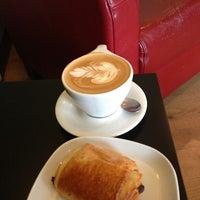 Foto tomada en Transcend Coffee por Tracey B. el 9/6/2013