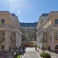 Das Foto wurde bei The Official State Hermitage Hotel von Официальная Гостиница Государственного Эрмитажа am 7/23/2013 aufgenommen
