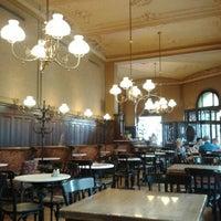 Photo prise au Café Sperl par Eric le7/19/2013
