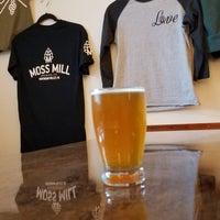 Das Foto wurde bei Moss Mill Brewing Company von Gerry D. am 11/17/2018 aufgenommen