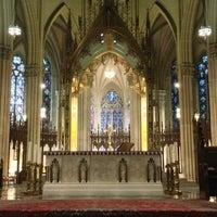 2/18/2013にJovan T.がセント・パトリック大聖堂で撮った写真