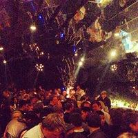 Foto scattata a Bar Tausend da Sam S. il 1/20/2013