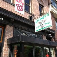 Das Foto wurde bei Stoney's Restaurant von Armie am 7/24/2013 aufgenommen