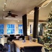 Foto diambil di Sweetgrass Restaurant oleh Ed K. pada 12/6/2014