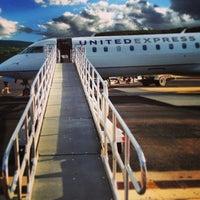 7/3/2013 tarihinde Rachel K.ziyaretçi tarafından Aspen/Pitkin County Airport (ASE)'de çekilen fotoğraf