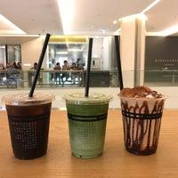 Foto scattata a Omotesando Koffee da หนุงหนิง N. il 10/6/2018