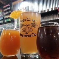 รูปภาพถ่ายที่ Red Clay Brewing Company โดย Randall E. เมื่อ 8/3/2019