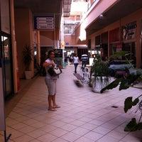 Foto tirada no(a) Bayside Shopping por Flávia S. em 9/10/2013
