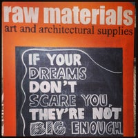 Foto tomada en Raw Materials Art Supplies por Torrey N. el 8/2/2015